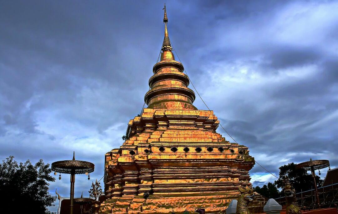 Wat Phrathat Sri Chomtong, Chiang Mai